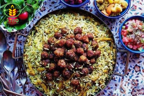 کلم پلو شیرازی مجلسی