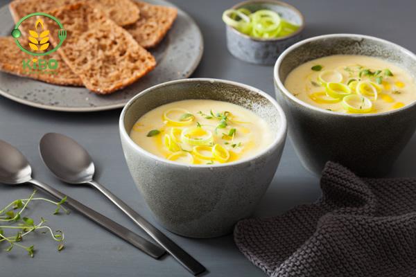 طرز تهیه انواع سوپ تره فرنگی