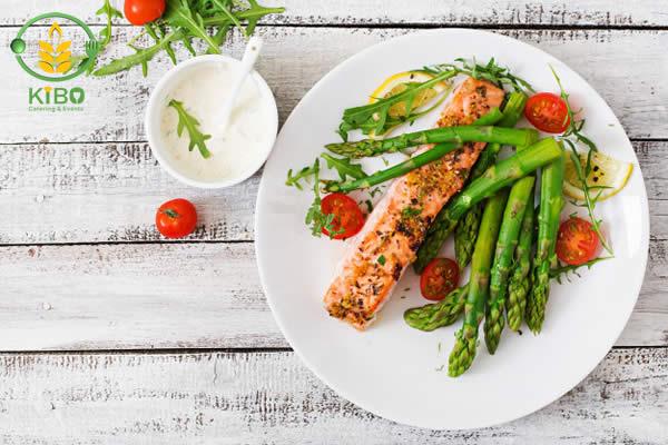 ماهی سالمون تنوری با سبزیجات